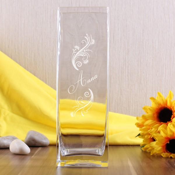 gravierte Vase mit Ihren Wunschnamen und Ornamenten