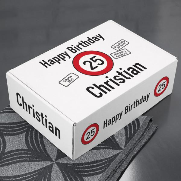 Geschenkbox zum Geburtstag mit Verkehrszeichen, Name und Alter