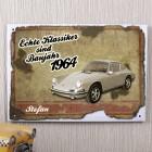 Blechschild mit Autoklassiker personalisiert mit Name und Jahr
