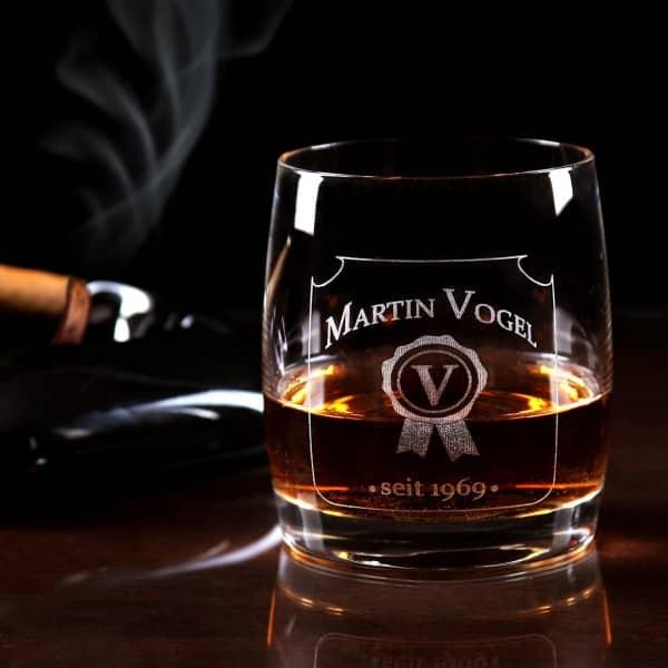 whiskeyglas glas mit gravur des namens initials und. Black Bedroom Furniture Sets. Home Design Ideas