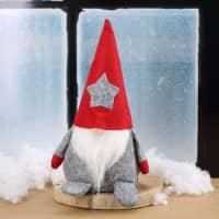 Filz-Weihnachtswichtel mit roter Mütze