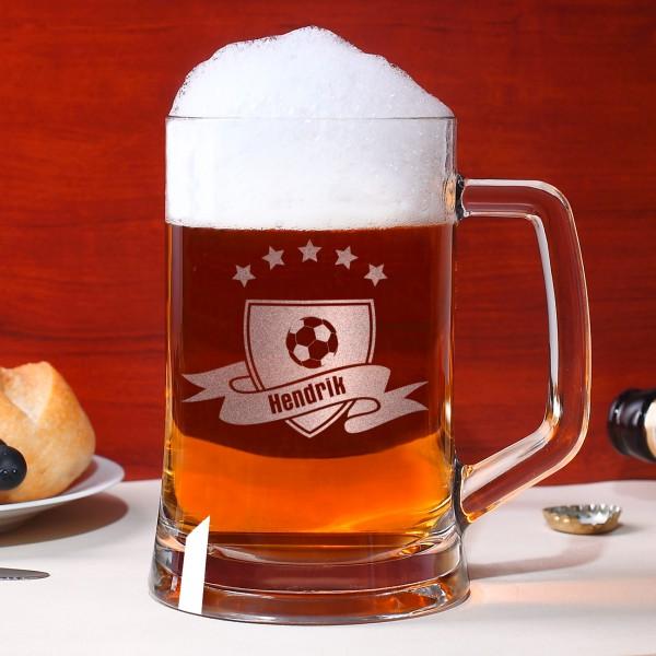 Bierseidel mit Fußballmotiv und Wunschnamen