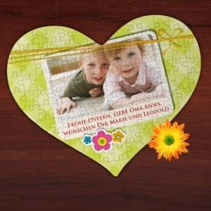 Großes Herz Puzzle mit Foto, kurzem Text und Blüten
