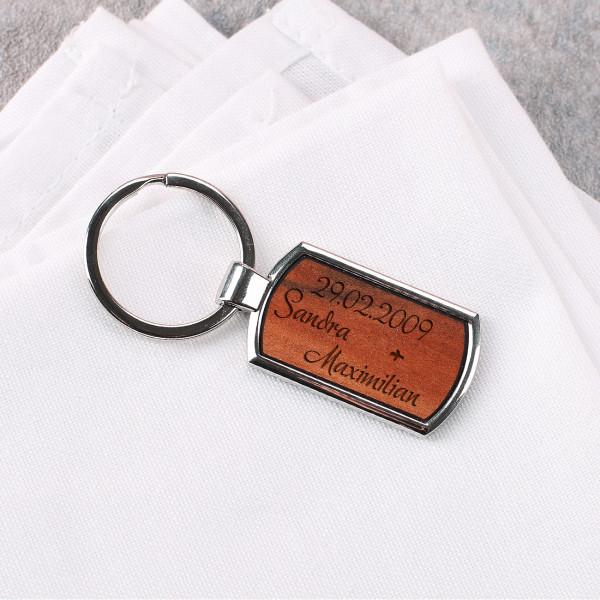 Schlüsselanhänger mit Wunschnamen und eurem Datum