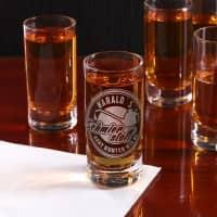 Graviertes Schnapsglas mit Wunschnamen – Geht runter wie Öl