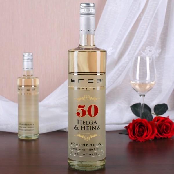 Weißwein Bree mit den Namen des Paares zur Goldenen Hochzeit