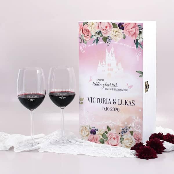 Märchenbox mit Weingläsern zur Hochzeit