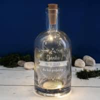 Beleuchtete Flasche mit 3 Zeilen Wunschtext graviert