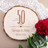 Gravierte Baumscheibe zur Goldenen Hochzeit mit Namen und Datum