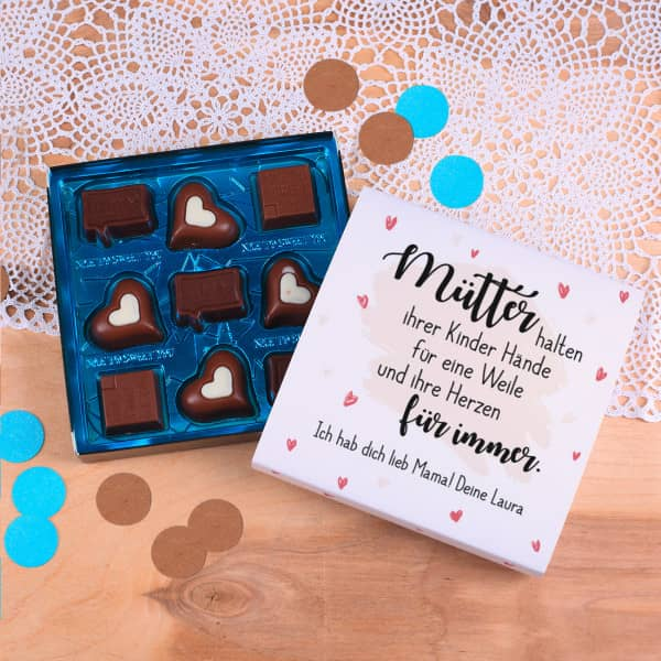 - Lindt Pralinen zum Muttertag Mütter halten ihrer Kinder Hände mit Wunschtext - Onlineshop Geschenke online.de