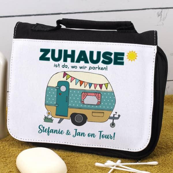 Camping-Waschtasche mit Wohnwagen und Wunschtext