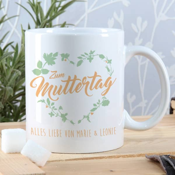 - Tasse zum Muttertag mit Blumenherz und Ihrem Wunschtext - Onlineshop Geschenke online.de