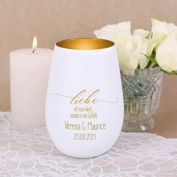 Weiß-goldenes Windlicht zur Hochzeit mit persönlicher Gravur