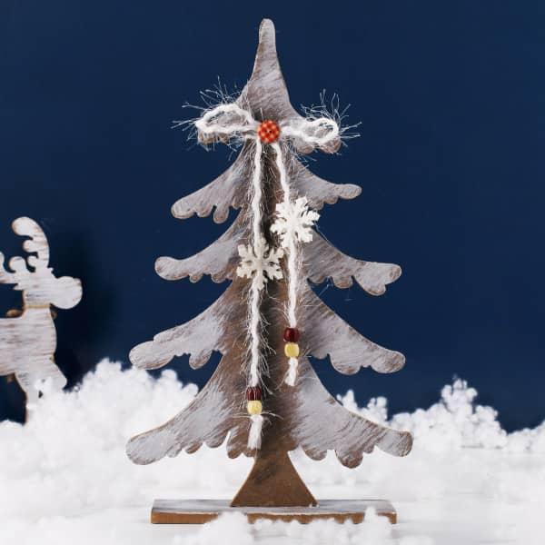 Deko-Tannenbaum aus Holz mit Sternen
