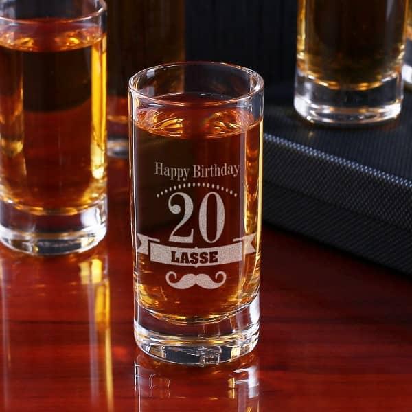 Schnapsglas zum Geburtstag mit Personalisierung