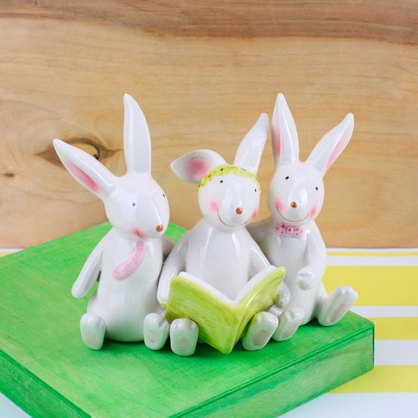fröhliche Osterhasenfamilie