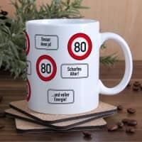 große Kaffeetasse zum 80. Geburtstag mit Verkehrszeichen - 80 -