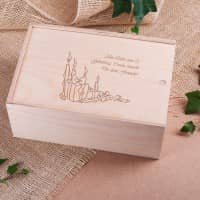 Geschenkverpackung aus Holz mit persönlicher Gravur