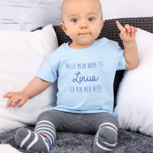 Individuellbabykind - Blaues Babyshirt mit Name Ich bin neu hier - Onlineshop Geschenke online.de