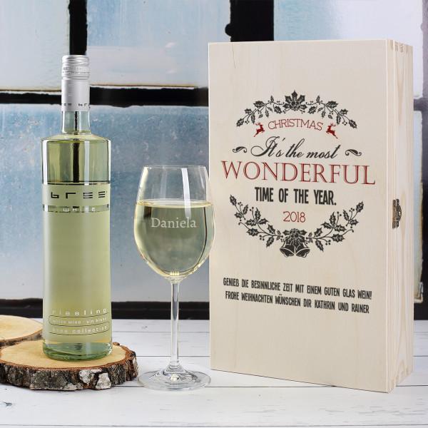 Geschenkholzbox zu Weihnachten mit Weinglas und Bree Weinflasche