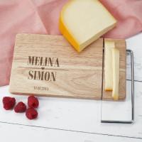 Käsebrett zur Hochzeit mit integriertem Käsemesser