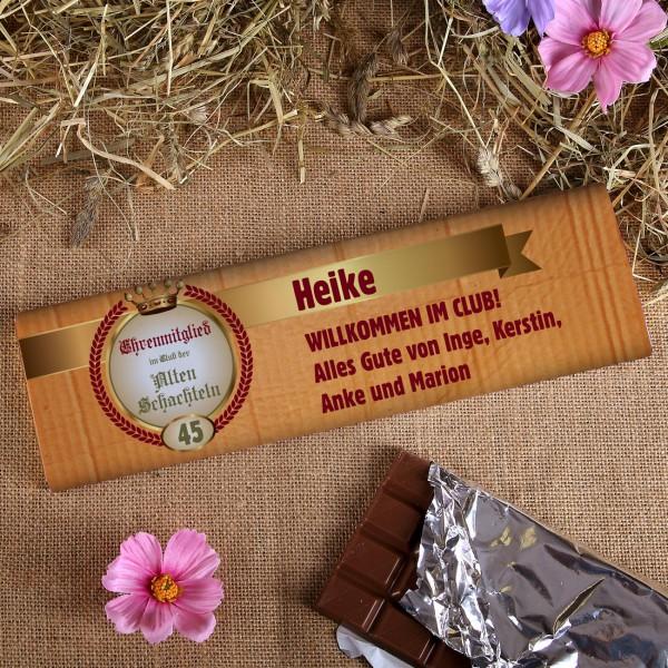 300g Schokolade für das Ehrenmitglied der alten Schachteln mit Wunschname, Alter und Text