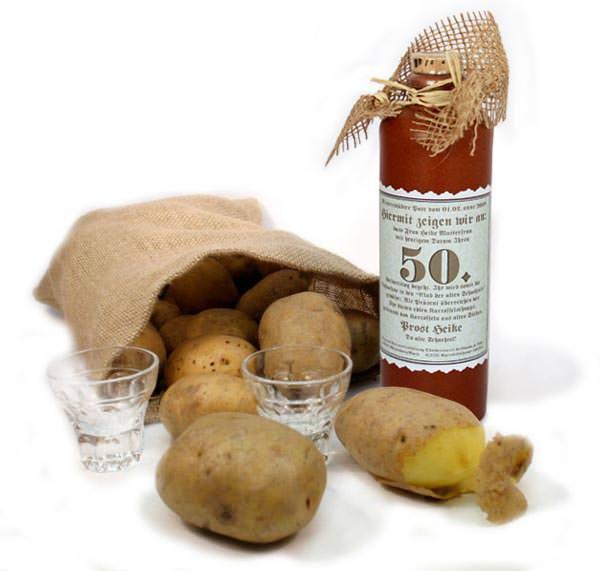 Kartoffelschnaps mit persönlichem Etikett