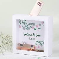 Geldgeschenk zur Hochzeit - Bilderrahmen Spardose mit Lampions, Namen und Datum
