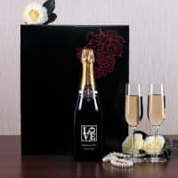 Champagnerset mit zwei Sektgläsern zur Hochzeit, Love