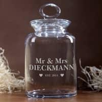 Glasdose für Mr und Mrs mit Wunschnamen und Jahr graviert