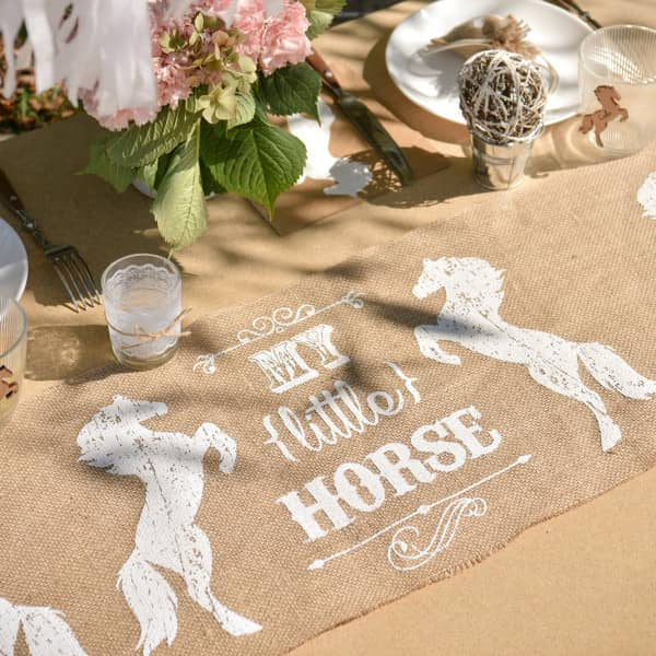 Deko Tischläufer aus Bast mit Pferdemotiv