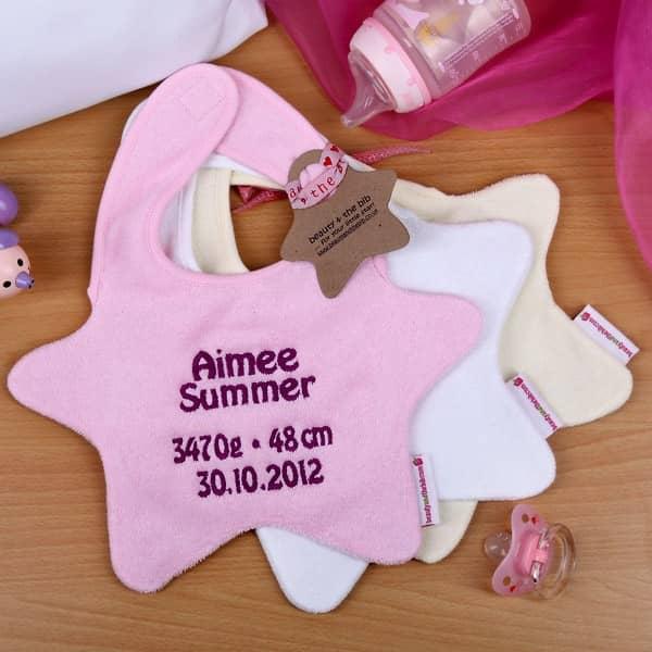 Lätzchen für Mädchen mit Stickerei
