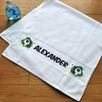 Persönliches Handtuch mit Fußballmotiv und Name