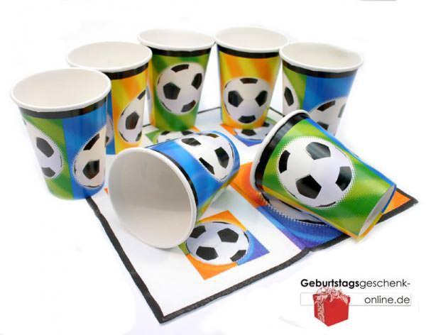 Trinkbecher zur Fußballparty