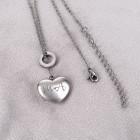 Moderne Herzkette in Silber mit persönlicher Gravur