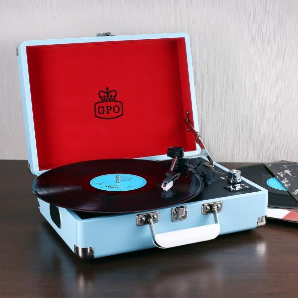blauer Koffer mit eingebauten Plattenspieler