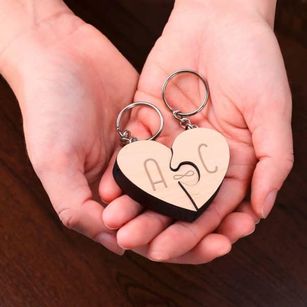Ausgefallenkleineaufmerksamkeiten - Schlüsselanhänger im 2er Set Broken Heart - Onlineshop Geschenke online.de