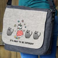 Black Denim Umhängetasche mit bunter Katze und Wunschtext