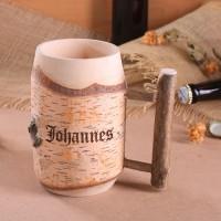 Mittelalter Bierkrug aus Holz mit Gravur
