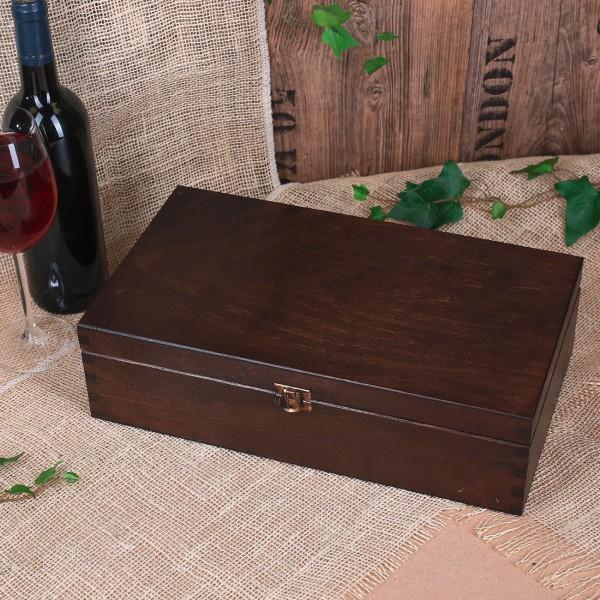 dunkle Holzverpackung für Flaschen