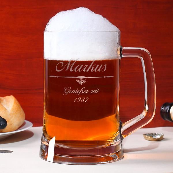 Graviertes Bierseidel mit Motiv, Wunschnamen und Geburtsjahr