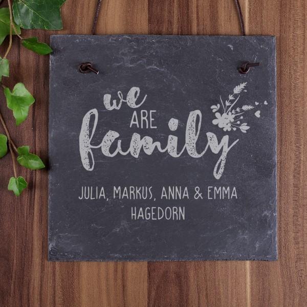 Schiefertafel we are family persönlich graviert