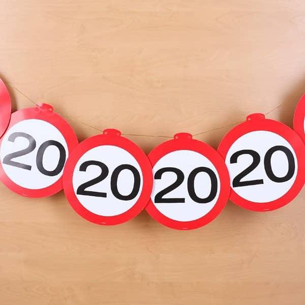 Dekogirlande - Verkehrszeichen 20