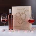 Wein Geschenkset zur Hochzeit mit personalisierter Holzbox und Weinglas mit Gravur