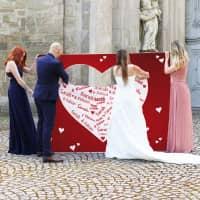 Großes Herzbanner zum Ausschneiden für das Brautpaar - mit Namensaufdruck