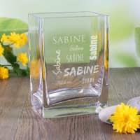 Glasvase mit Ihrem Namen in verschiedenen Schriftarten graviert