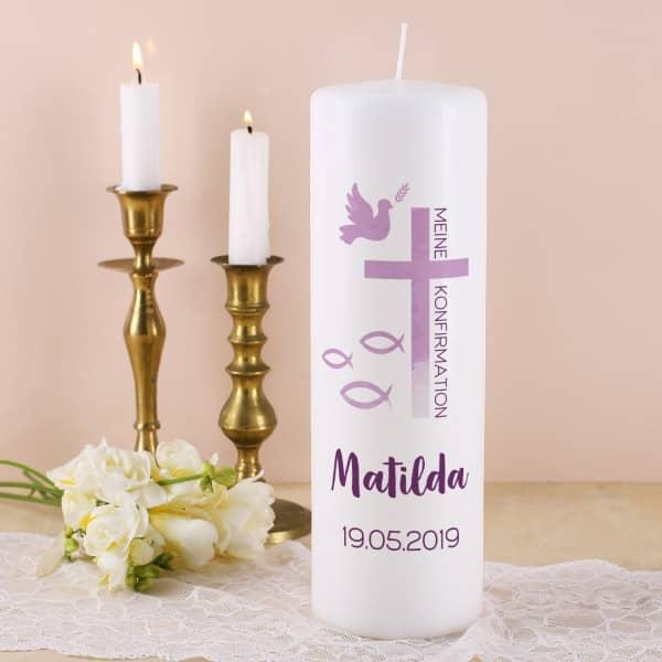 Kerze zur Konfirmation - mit Name, Datum und Wunschtext in violett