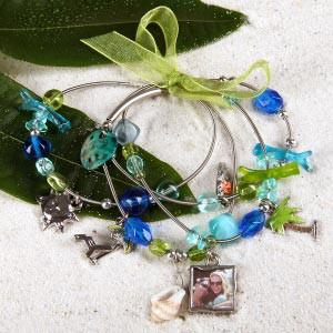 Sommerliches Charm-Armband mit Fotoanhänger