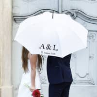 Hochzeitsschirm mit Vintage Motiv, Initialen und Hochzeitsdatum bedruckt