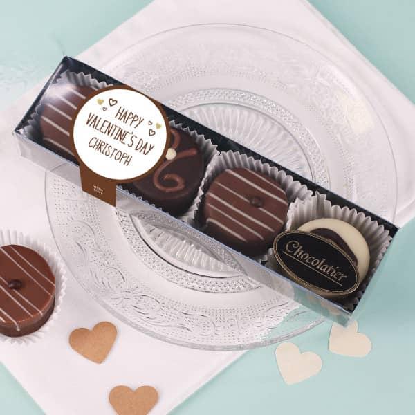 Pralinenschachtel zum Valentinstag mit personalisierter Banderole